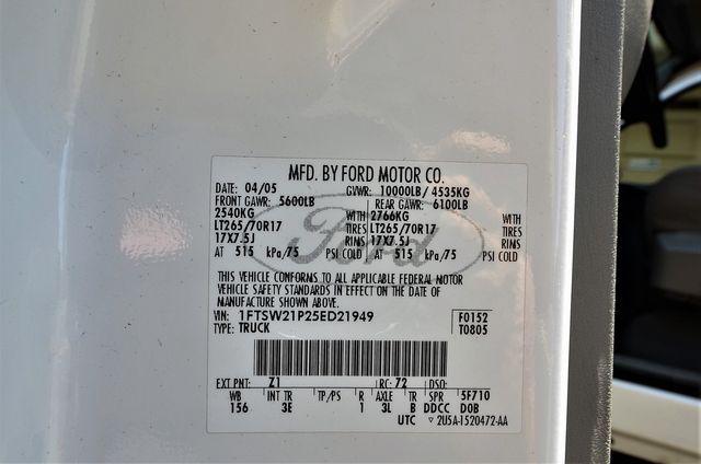 2005 Ford Super Duty F-250 XLT in Reseda, CA, CA 91335