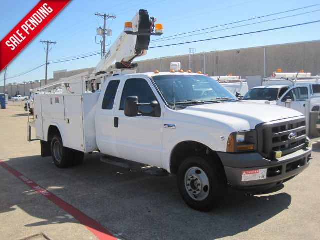 2005 Ford F350 Supercab Bucket Truck, 1 Owner, Serv History,