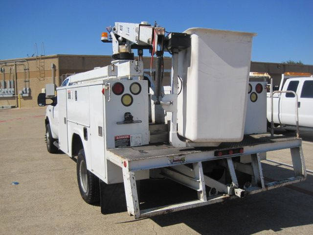 2005 Ford F350 Supercab Bucket Truck, 1 Owner, Serv History, in Plano Texas, 75074