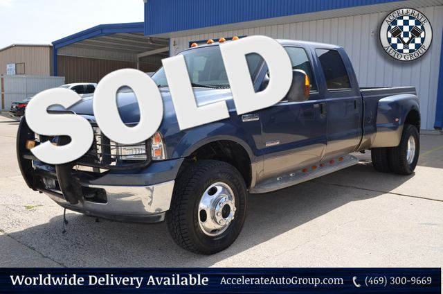 2005 Ford Super Duty F-350 DRW Lariat 4X4 in Rowlett