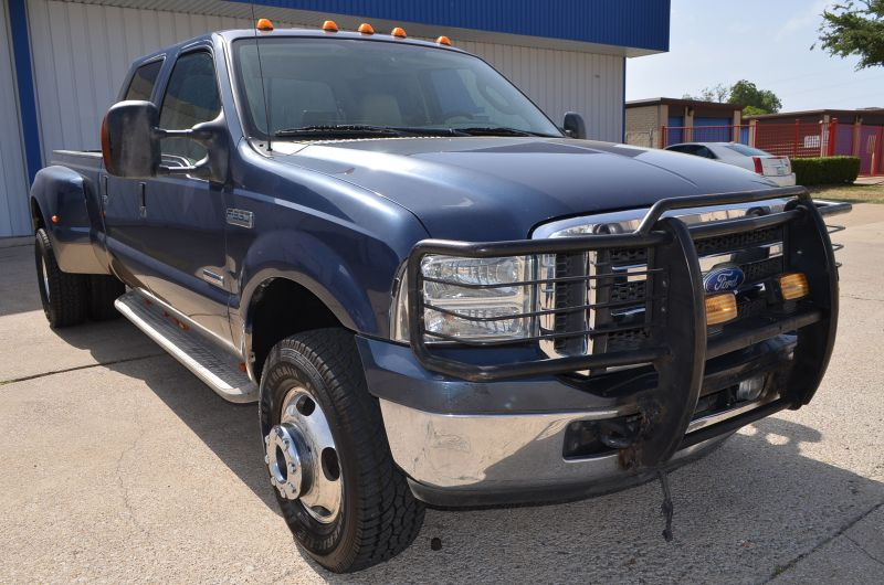 2005 Ford Super Duty F-350 DRW Lariat 4X4 in Rowlett, Texas