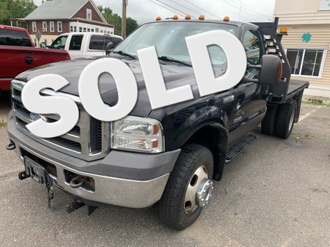 2005 Ford Super Duty F-350 DRW XLT Flatbed in West Springfield, MA