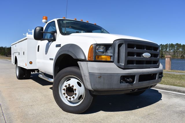 2005 Ford Super Duty F-550 DRW XL in Walker, LA 70785