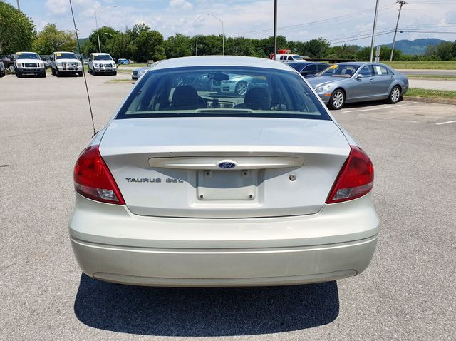2005 Ford Taurus SEL in Louisville, TN 37777