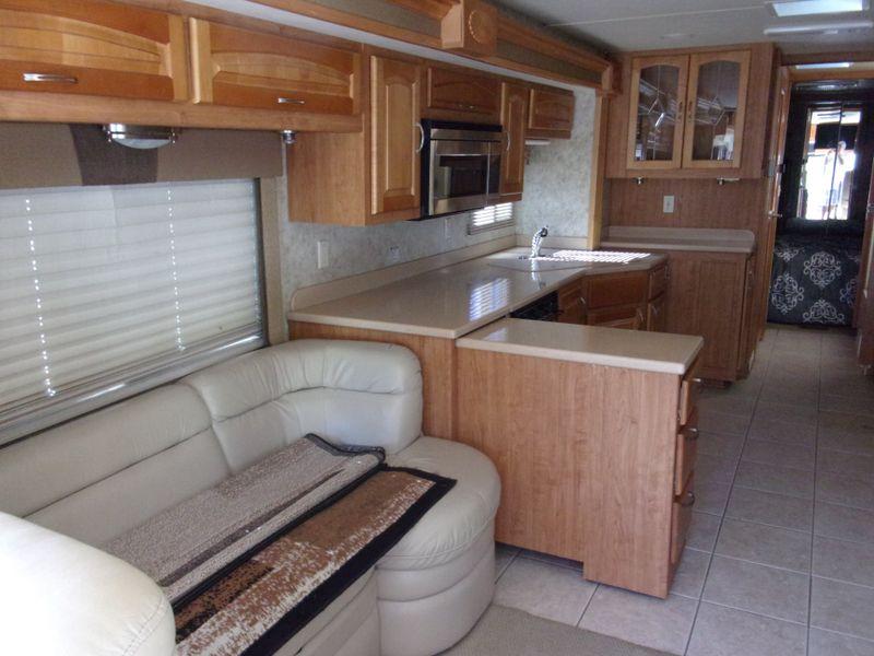 2005 Forest River Charleston 400TS Cat Diesel 330 HP  city FL  Manatee RV  in Palmetto, FL