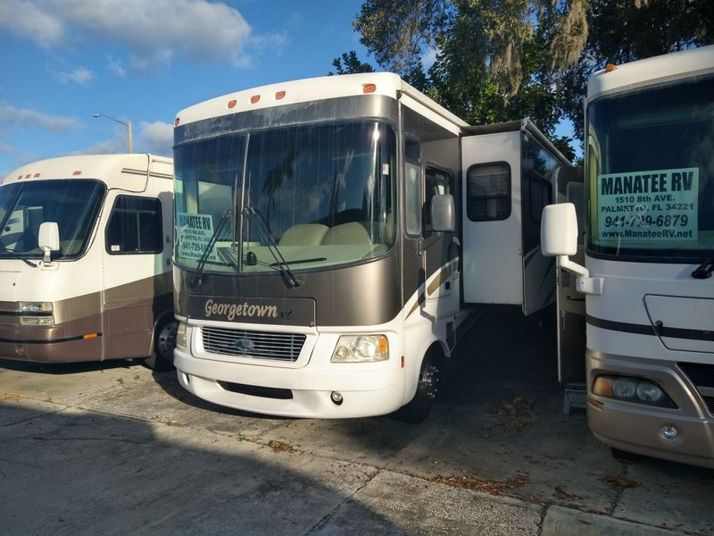 2005 Forest River Georgtown XL  Bath and a half  city FL  Manatee RV  in Palmetto, FL