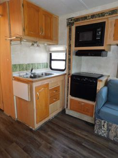 2005 Forest River Sunseeker 2860  city Florida  RV World of Hudson Inc  in Hudson, Florida