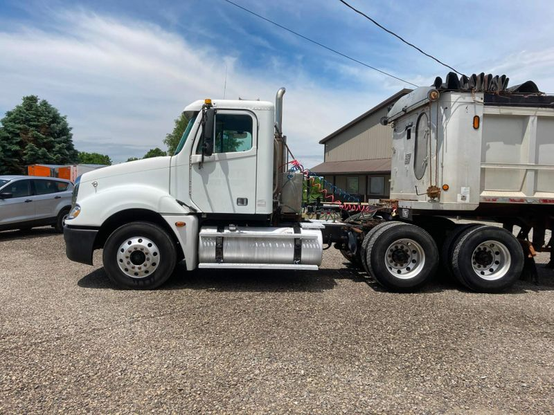 2005 Freightliner COLUMBIA 120   in , Ohio
