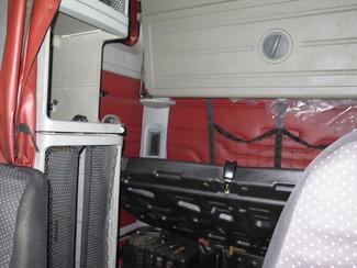 2005 Freightliner Columbia Ravenna, MI 10
