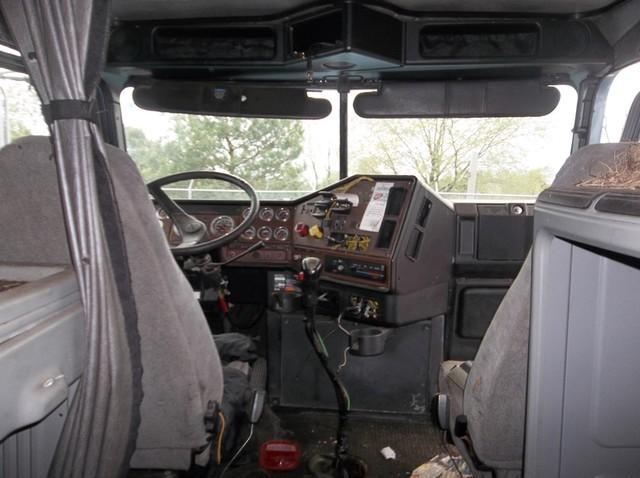 2005 Freightliner FL Classic FLD120 in Ravenna, MI 49451