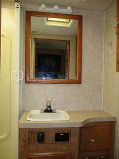 2005 Georgie Boy Pursuit 3180DS  city Florida  RV World of Hudson Inc  in Hudson, Florida