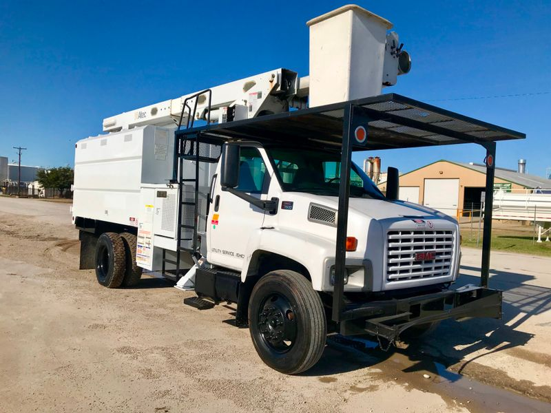 2005 GMC 7500 FORESTRY BUCKET TRUCK   city TX  North Texas Equipment  in Fort Worth, TX