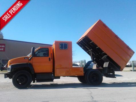 2005 GMC C6500 CHIPPER DUMP TRUCK in Fort Worth, TX
