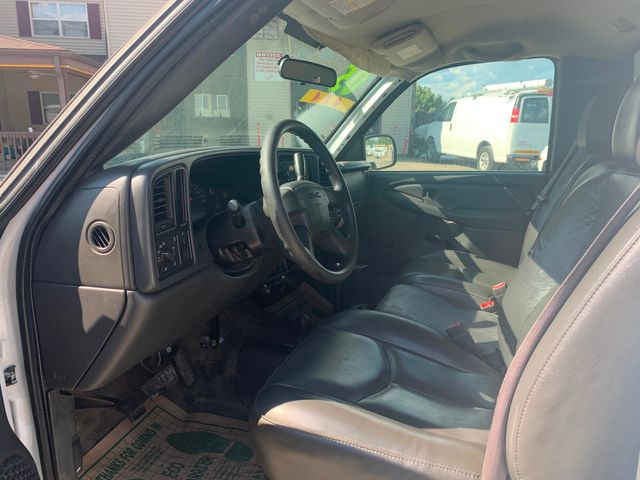 2005 GMC Sierra 2500HD Work Truck Hoosick Falls, New York 4