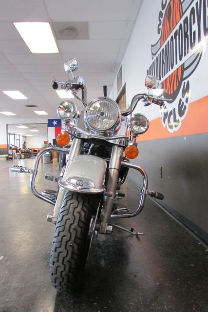 2005 Harley-Davidson Road King® Classic Arlington, Texas 3