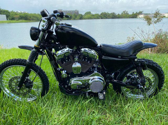 2005 Harley-Davidson Sportster 1200 Custom XL1200C in Dania Beach , Florida 33004