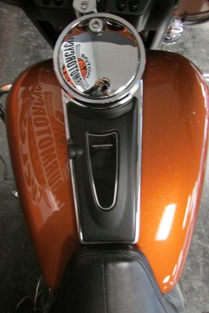 2005 Harley-Davidson ULTRA CLASSIC ELECTRA GLIDE    FLHTCUI Arlington, Texas 28