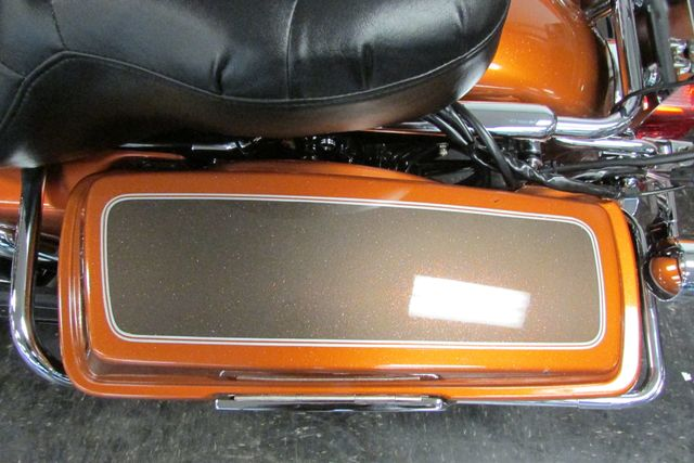 2005 Harley-Davidson ULTRA CLASSIC ELECTRA GLIDE    FLHTCUI Arlington, Texas 38