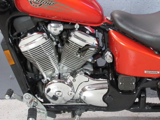 2005 Honda Shadow VLX Deluxe VT600 in Dania Beach , Florida 33004