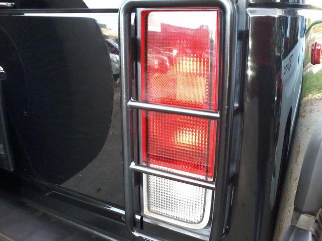 2005 Hummer H2 SUV Boerne, Texas 16