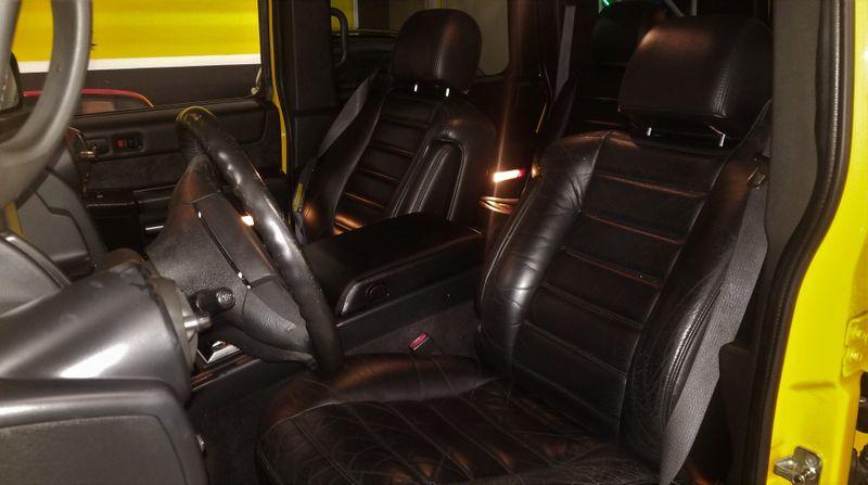 2005 Hummer H2 SUV CUSTOM WHEELS CLEAN CARFAX 4X4 | Palmetto, FL | EA Motorsports in Palmetto, FL