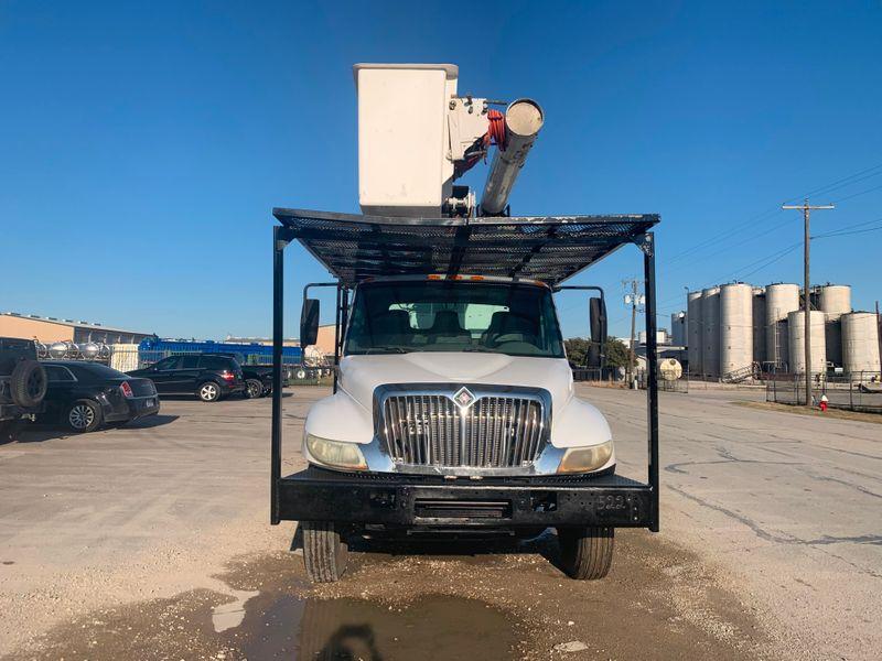 2005 International 4300 FORESTRY BUCKET TRUCK   city TX  North Texas Equipment  in Fort Worth, TX