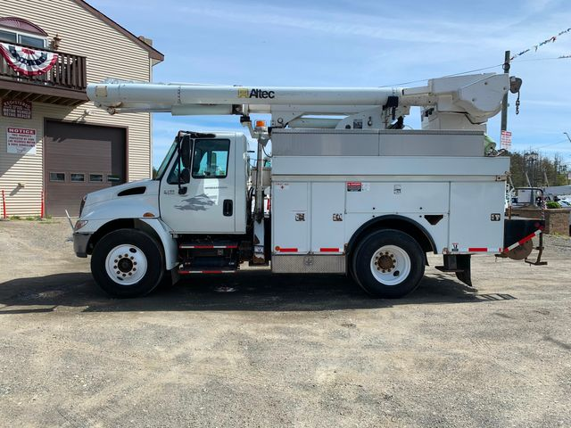 2005 International 4300 Hoosick Falls, New York 1