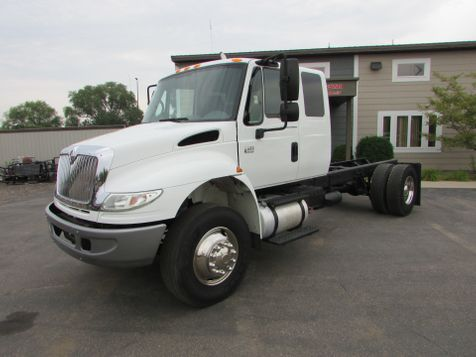 2005 International 4400 Ext Cab, Cab Chassis Truck  in St Cloud, MN