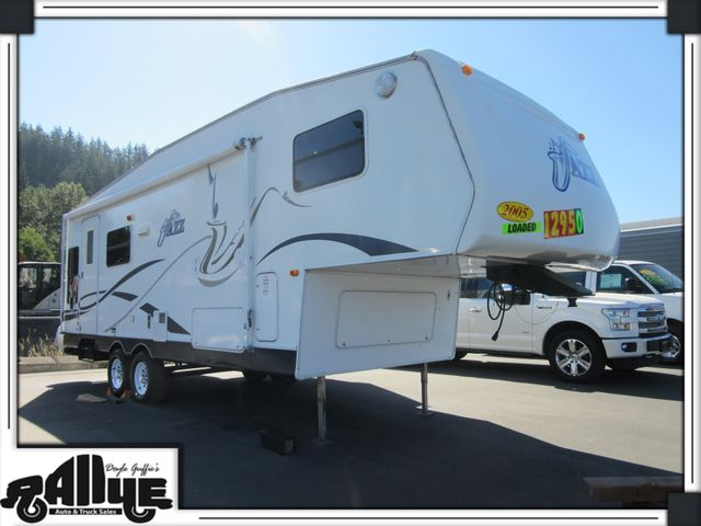 2005 Jazz By Thor 25FT 5TH WHEEL TRAVEL TRAILER