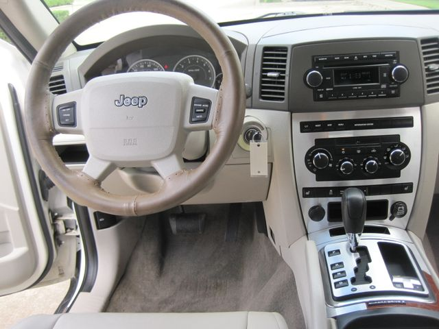 2005 Jeep Grand Cherokee Limited 4x4 Hemi, 1 Owner, Low Miles. in Plano Texas, 75074