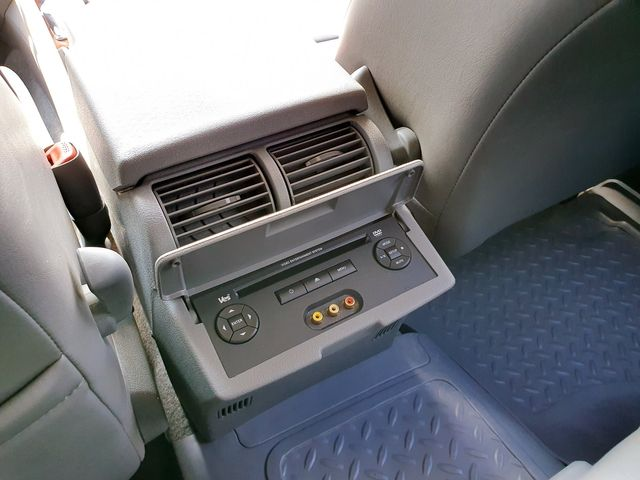 2005 Jeep Grand Cherokee Limited 4WD 4.7L V8 w/DVD in Louisville, TN 37777