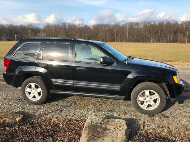 2005 Jeep Grand Cherokee Laredo Ravenna, Ohio 4
