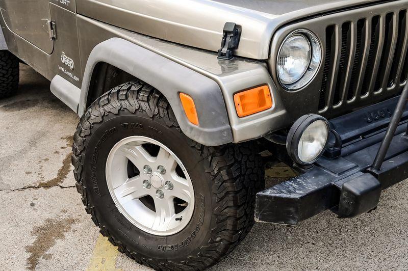 2005 Jeep Wrangler 4.0L I-6 6-SPD MANUAL SPORT 4X4 CLEAN CARFAX NICE! in Rowlett, Texas