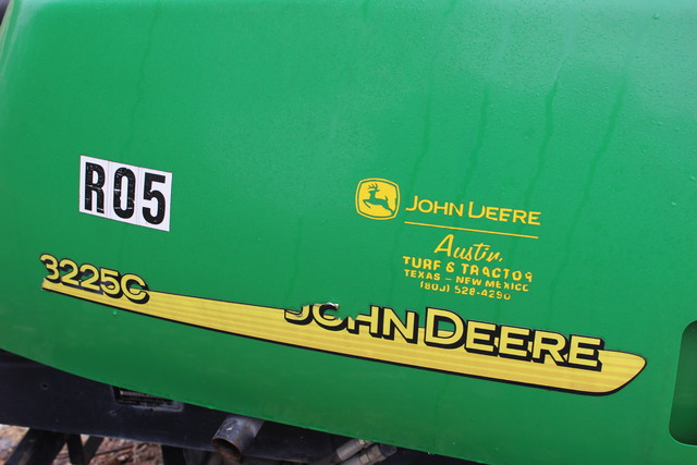 2005 John Deere 3225C Fairway Mower San Antonio, Texas 1
