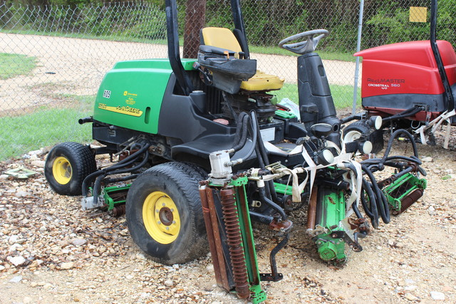 2005 John Deere 3225C Fairway Mower San Antonio, Texas 0