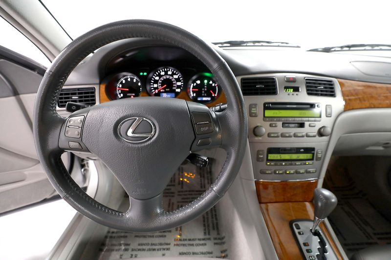 2005 Lexus ES 330 - Immaculate - Timing belt done  city California  MDK International  in Los Angeles, California