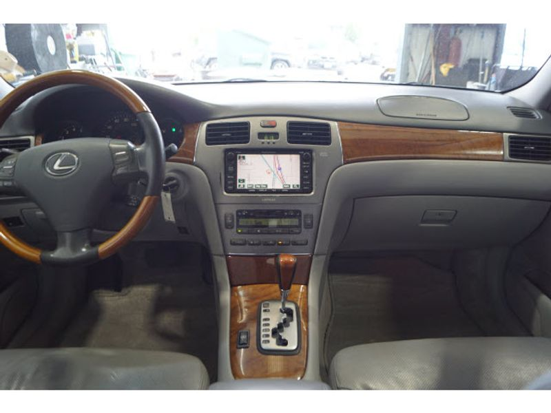 2005 Lexus ES 330 Base  city Texas  Vista Cars and Trucks  in Houston, Texas