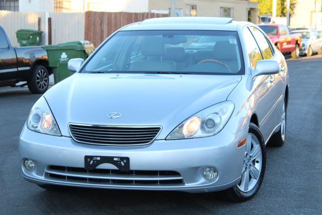 2005 Lexus ES 330 SEDAN 50K MLS 1-OWNER SERVICE RECORDS LEATHER HEATED SEATS XENON in Van Nuys, CA 91406