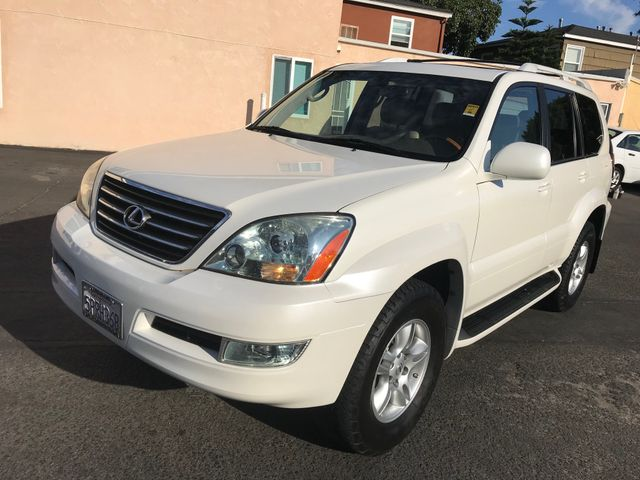 2005 Lexus GX 470 W/ DVD Screens