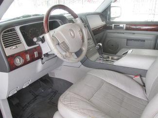 2005 Lincoln Navigator Luxury Gardena, California 4