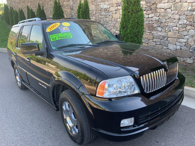 2005 Lincoln Navigator in Knoxville, Tennessee 37920