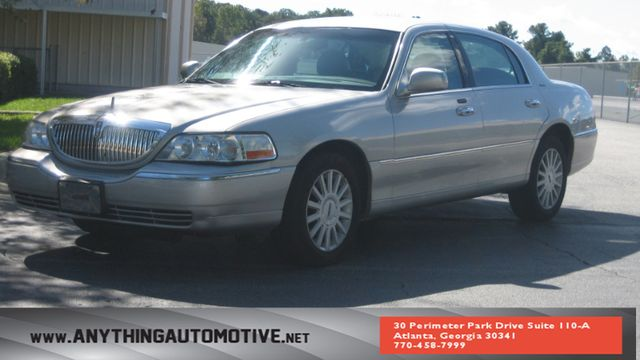 2005 Lincoln Town Car Signature Atlanta, Georgia 0