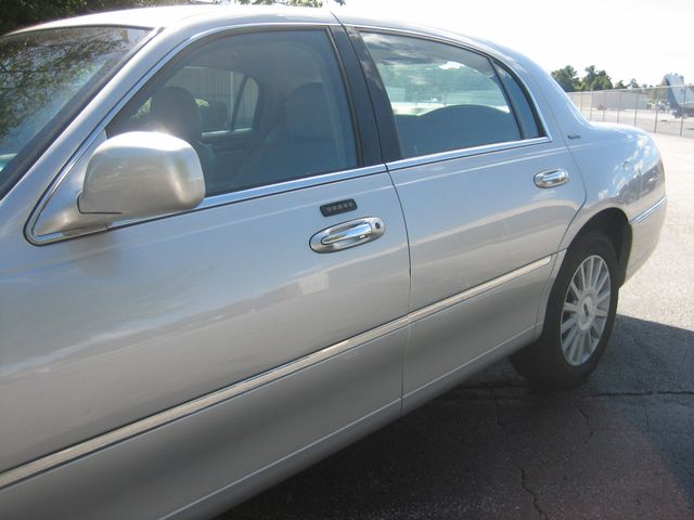 2005 Lincoln Town Car Signature Atlanta, Georgia 10