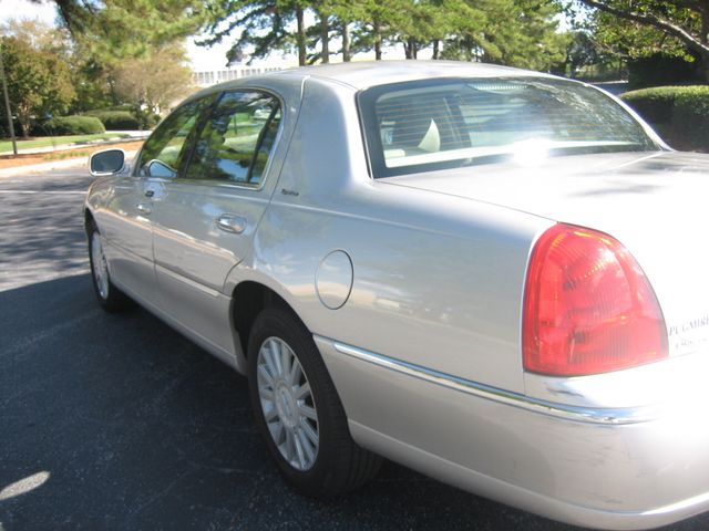 2005 Lincoln Town Car Signature Atlanta, Georgia 11