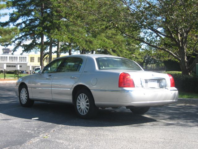 2005 Lincoln Town Car Signature Atlanta, Georgia 2