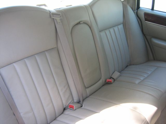 2005 Lincoln Town Car Signature Atlanta, Georgia 30