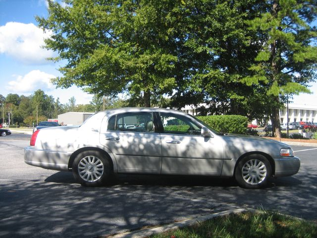 2005 Lincoln Town Car Signature Atlanta, Georgia 5