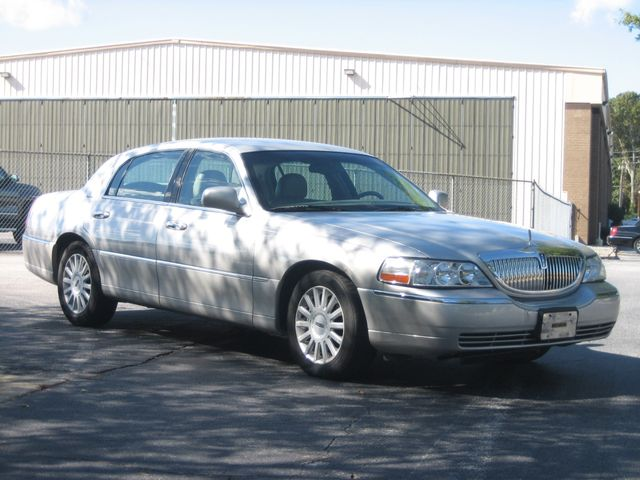 2005 Lincoln Town Car Signature Atlanta, Georgia 6