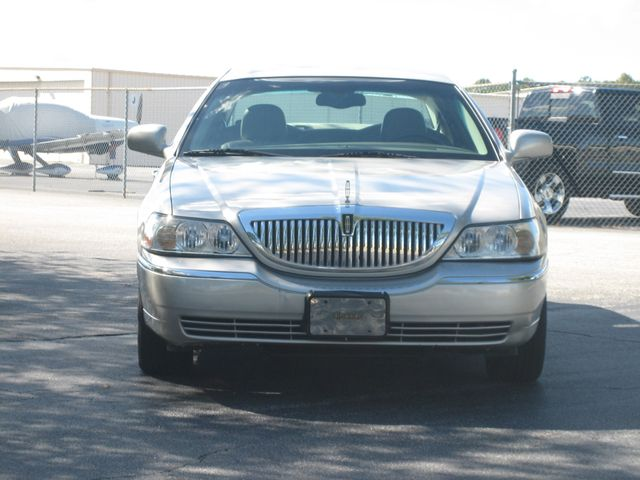 2005 Lincoln Town Car Signature Atlanta, Georgia 7