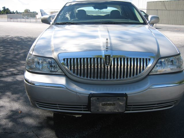 2005 Lincoln Town Car Signature Atlanta, Georgia 8